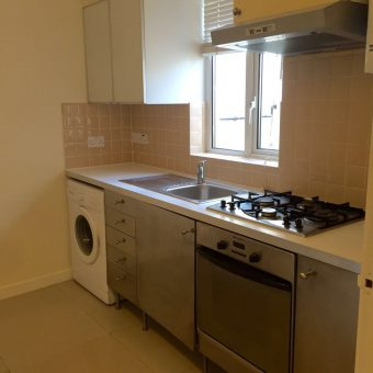 1 Bed flat Clarence Mews E5