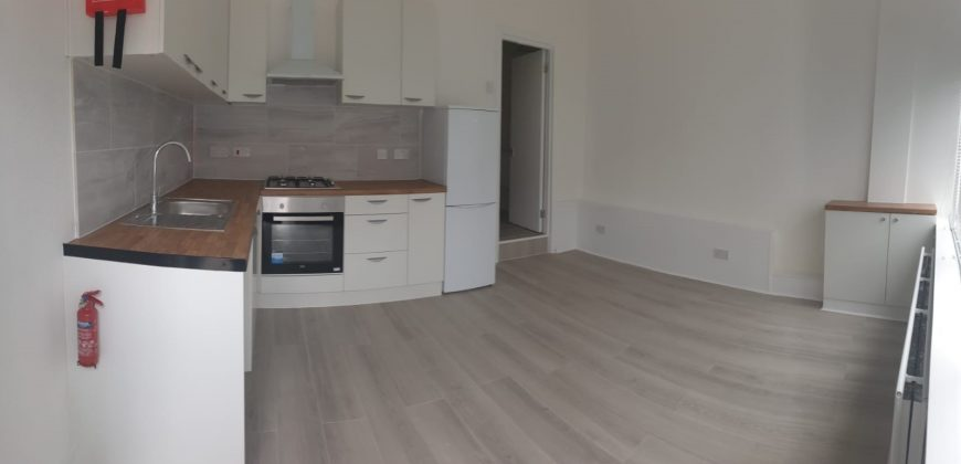 2 Bed Flat Hornchurch RM11