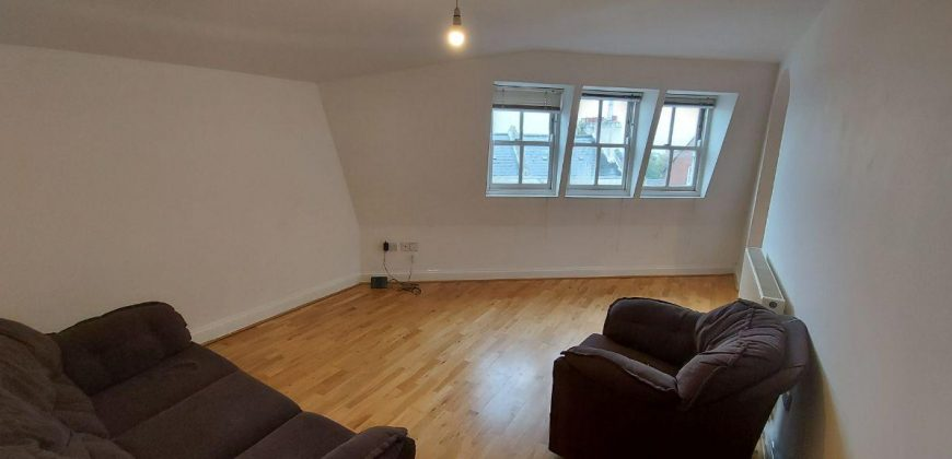 2 Bed Flat Church Road SE19