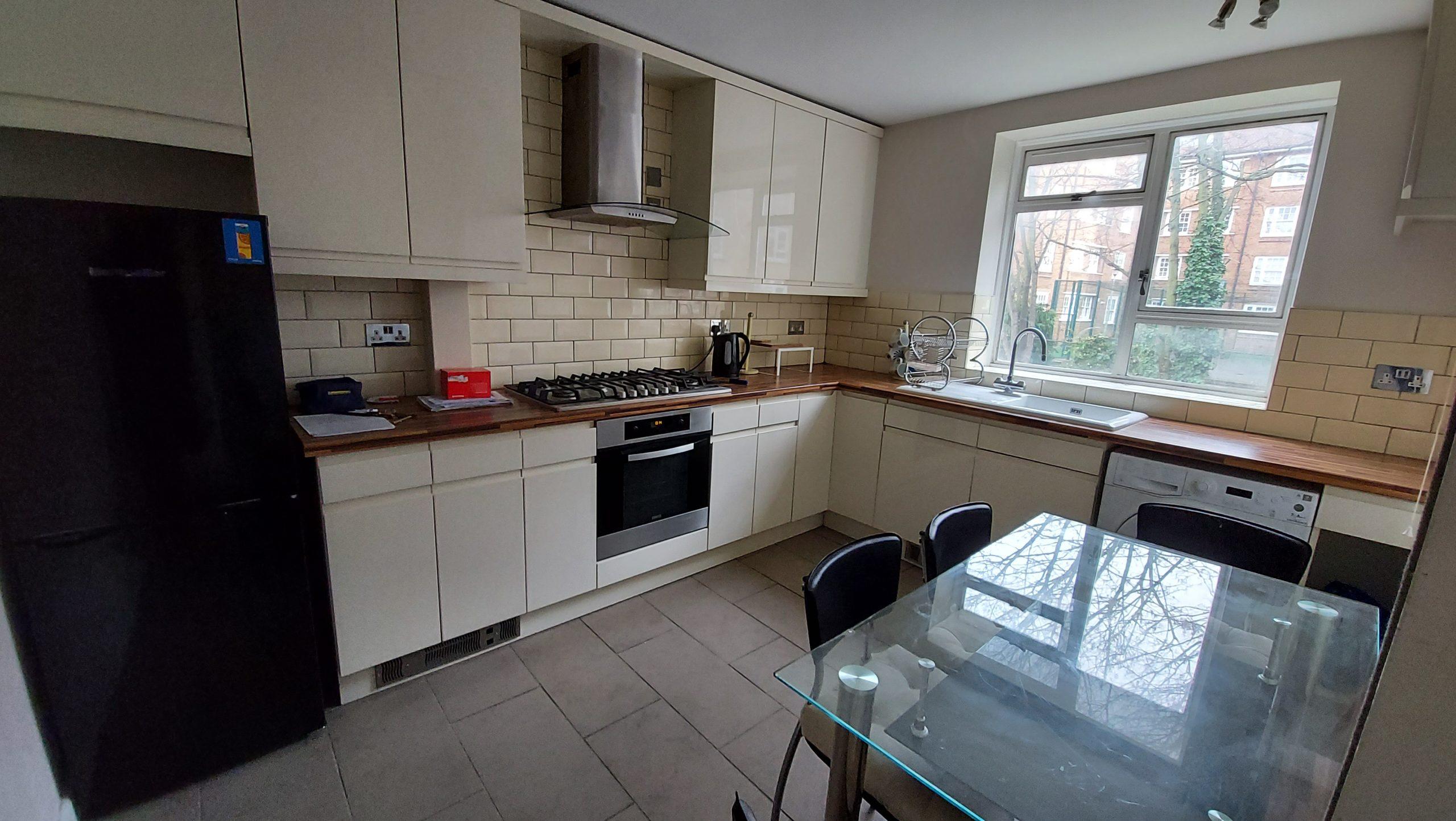 3 Bedroom Flat Goodrich House Amhurst Park N16 5AW